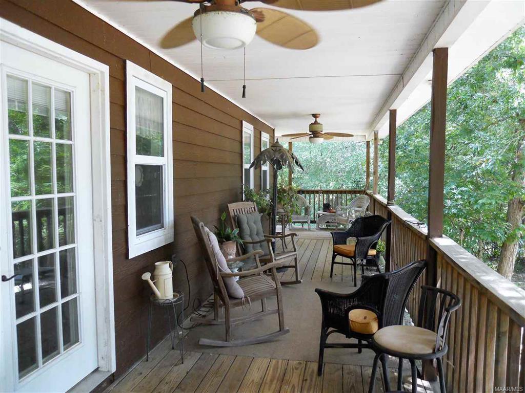 Main Cabin Deck River Side