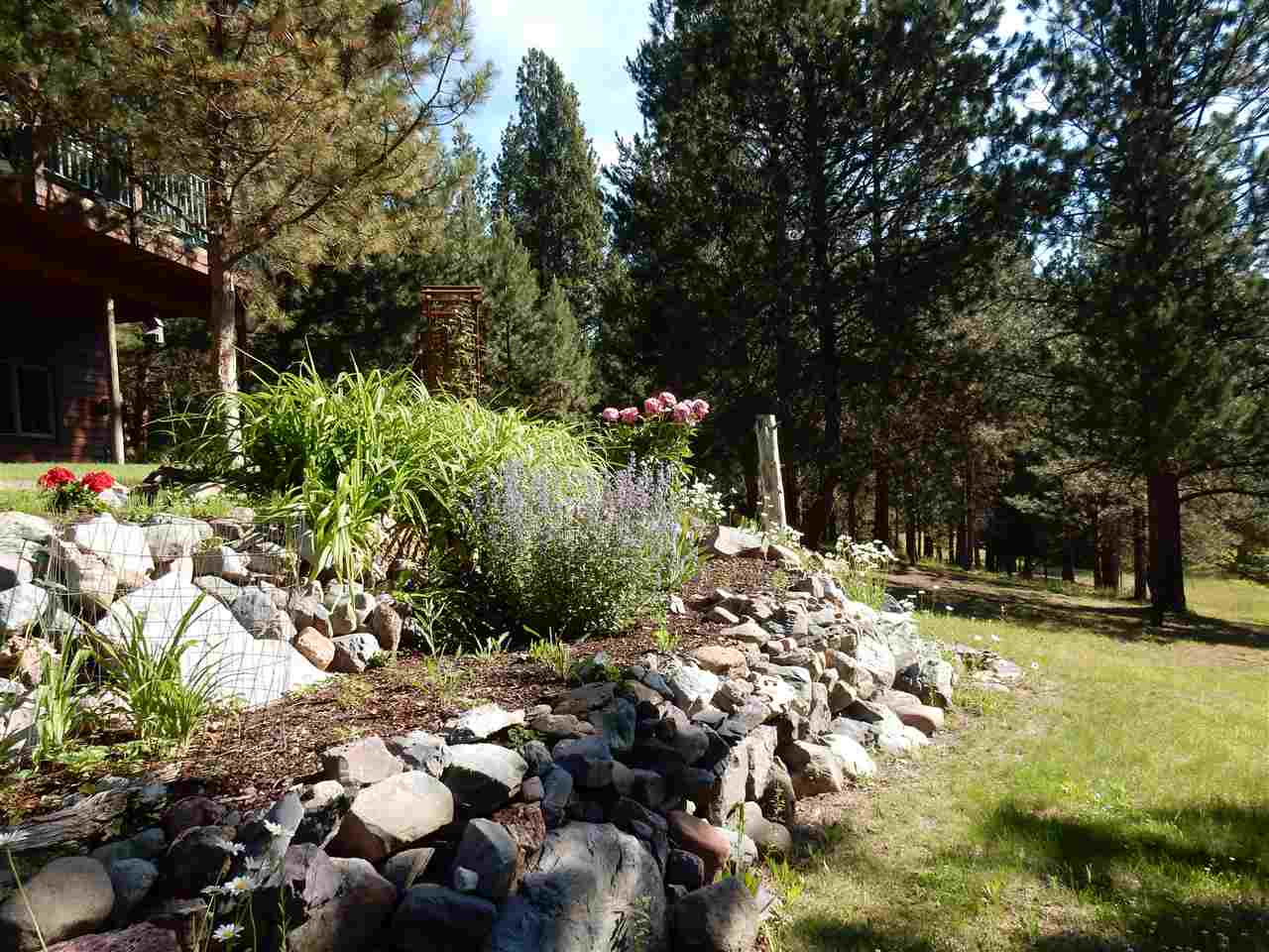 https://s3-us-west-2.amazonaws.com/cevado.idx1/helena/helena/295403/3757-stonewall-creek-rd-lincoln-59639-f047b606_17.jpg