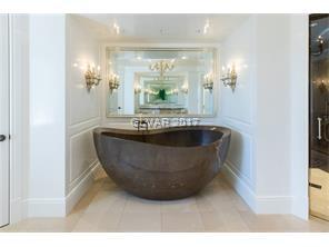 Lady\'s Bath