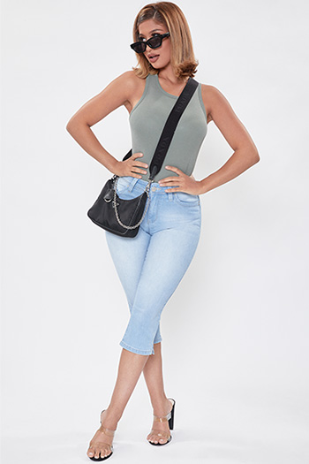 Junior WannaBettaButt Front-Rise Denim Capri with Side Slit