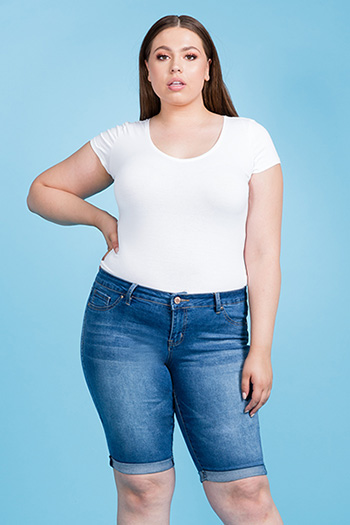 Junior Plus Size Love Basic Cuffed Bermuda