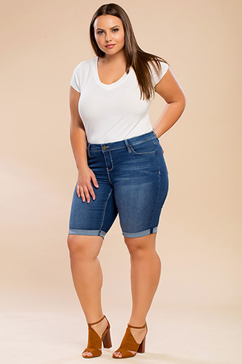 Junior Plus Size Luxe Basic Bermuda