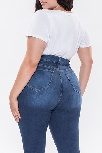 Junior Plus Size Curvy Fit Flare Jean