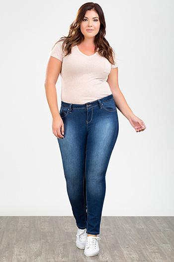 Junior Plus Size WannaBettaButt Rayon Skinny Jean
