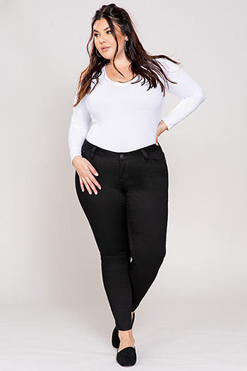 Junior Plus Size WannaBettaButt Twill Skinny Bottoms