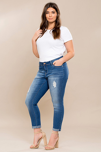 Junior Plus Size WannaBettaButt Cuffed Ankle Jeans