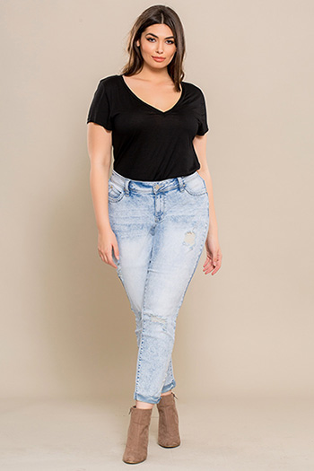 Junior Plus Size WannaBettaButt Cuffed Ankle Jeans