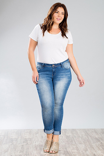 Junior Plus Size Destructed Skinny Jean