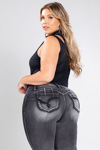Junior Plus Size WannaBettaButt Jegging