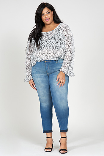 Junior Plus Size WannaBettaButt 2-Button Ankle Jean