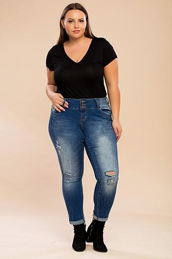 Junior Plus Size WannaBettaButt 3-Button Ripped Denim Ankle Jean