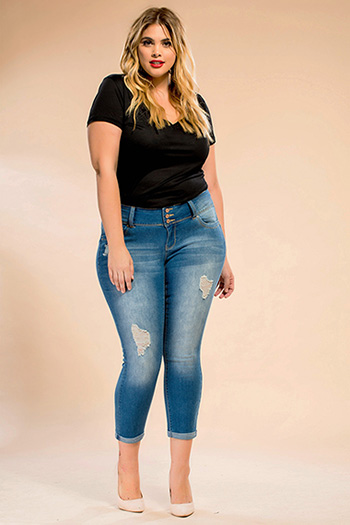 Junior Plus Size WannaBettaButt Triple-Button Cuffed Skinny