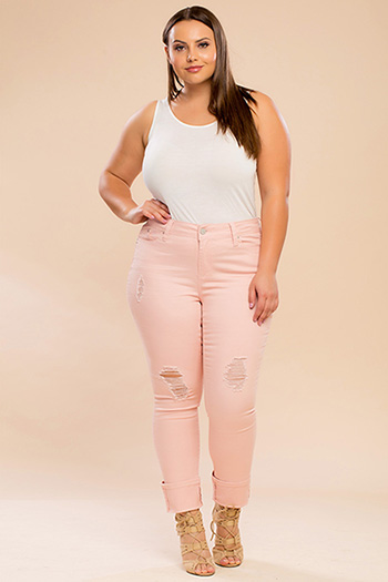 Junior Plus Size WannaBettaButt Mega Cuffed Pant