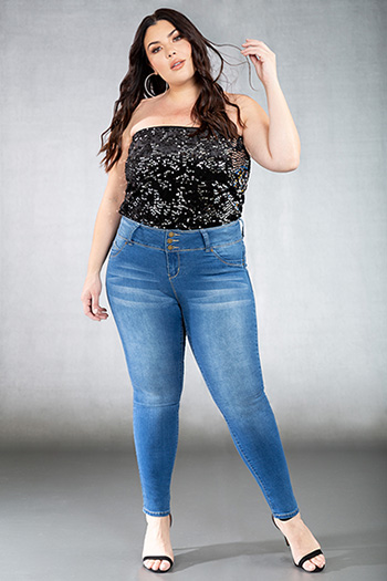 Junior Plus Size WannaBettaButt 3-Button Mid-Rise Skinny Jean