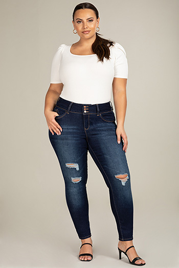 Junior Plus Size WannaBettaButt 3-Button Mid-Rise Denim Skinny Jean