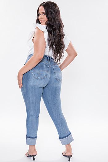 Junior Plus Size WannaBettaButt 2-Button Mid-Rise Mega Cuff Skinny Jean