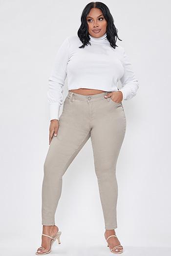 Junior Plus Size Super High-Rise Skinny Jean