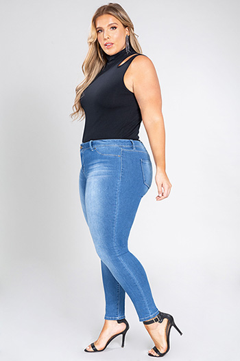 Junior Plus Size Mid-Rise Denim Skinny Jean