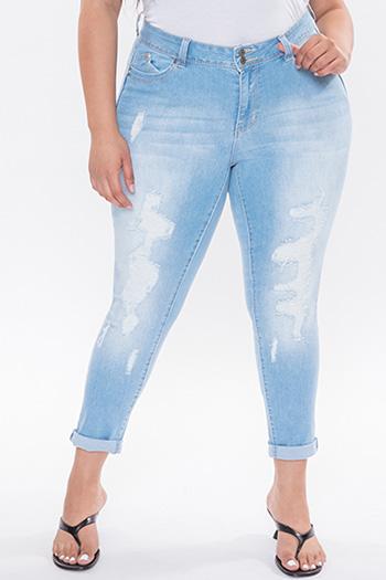 Junior Plus Size WannaBettaButt Mid-Rise Roll Up Cuff Ankle Jean