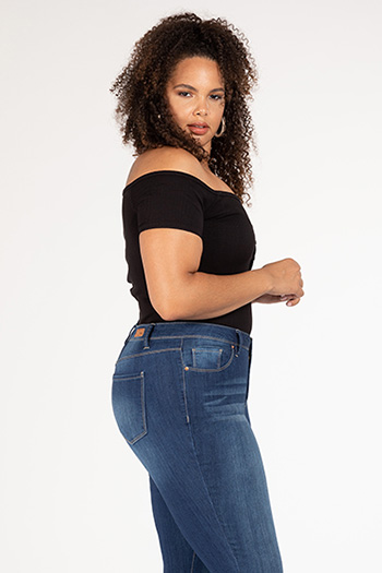 Junior Plus Size Mid-Rise Skinny Jean