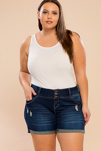 Junior Plus Size WannaBettaButt Triple-Button Shorts