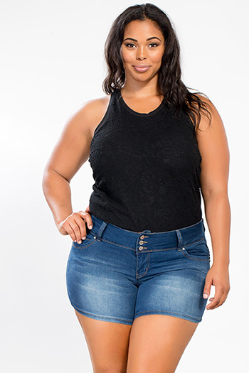 Junior Plus Size WannaBettaButt Triple-Button Shorts