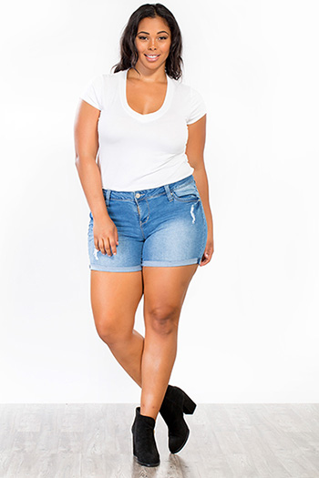 Junior Plus Size WannaBettaButt Cuffed Shorts