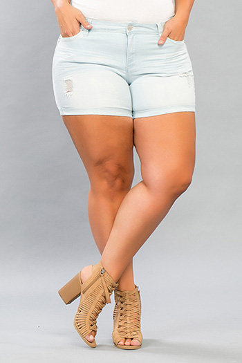 Junior Plus Size WannaBettaButt Mid-Rise Shorts