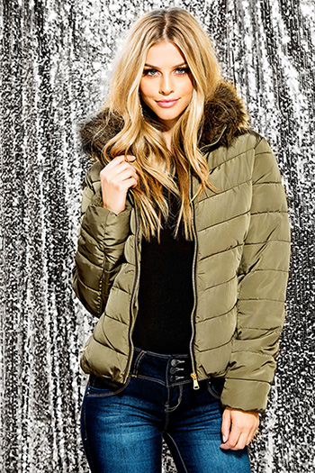 Junior Puffer Jacket with Detachable Faux Fur Collar
