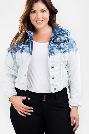 Junior Plus Size Cropped Denim Jacket