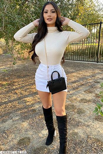 Junior Basic Mini Skirt With Frayed Hem