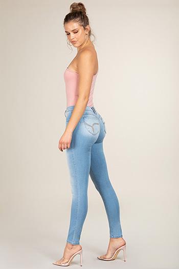 Junior WannaBettaButt Mid-Rise Super Soft Skinny Jean