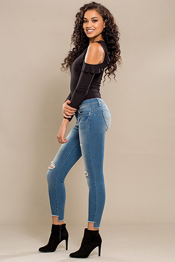 Junior WannaBettaButt Skinny Jean with Frayed Hi-Lo Hem