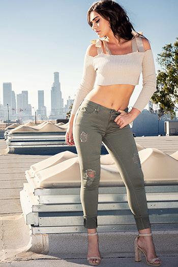 Junior WannaBettaButt Mid-Rise Mega Cuffed Skinny Jeans