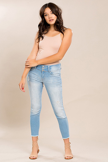 Junior WannaBettaButt 3-Button Mid-Rise Skinny with Frayed Hem
