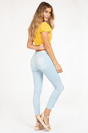 Junior WannaBettaButt Mid-Rise Distressed Denim Ankle Jean