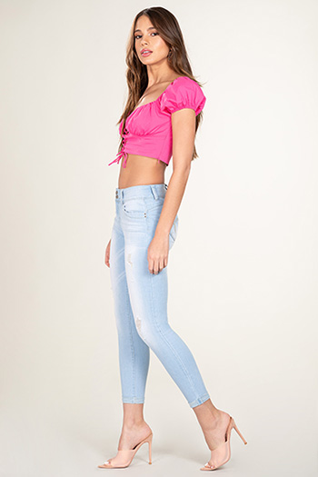 Junior 2-Button WannaBettaButt Mid-Rise Cuffed Ankle Jean
