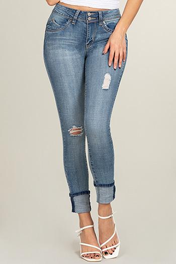 Junior WannaBettaButt Mid-Rise 2-Button Mega Cuff Skinny Jean