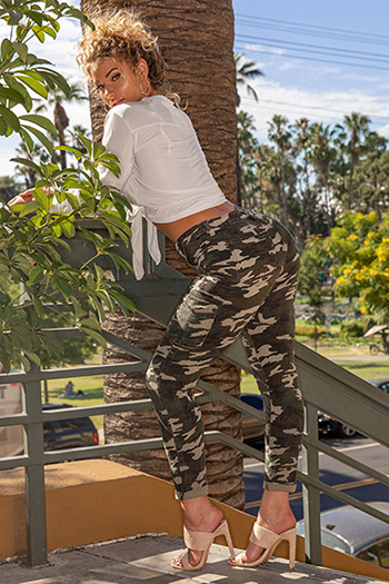 Junior High-Rise Cuffed Cargo Pants