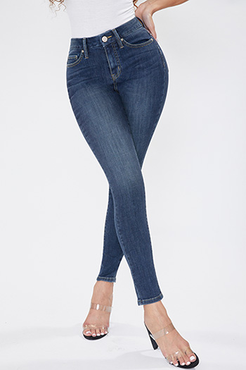 Junior Curvy Fit High-Rise Skinny Jean
