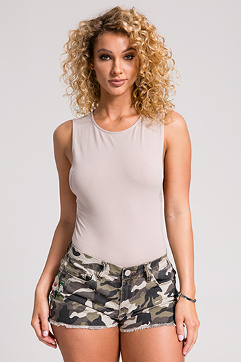 Junior Love Floral Embroidery Camo Shorts