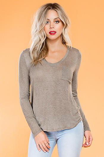 Junior V-Neck Long Sleeve Boyfriend Tee