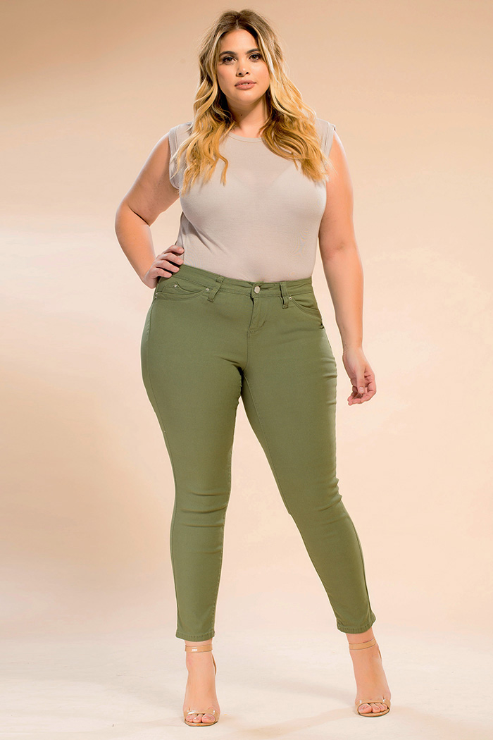 e2a6bbf0c9de7 Junior Jeans   Plus Size junior Jeans - YMI Jeans
