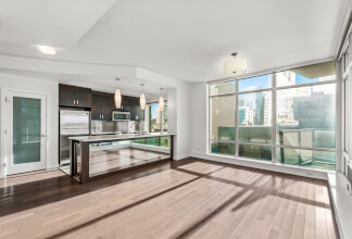 Two Bedroom Northeast Corner Suite With Downtown Views At Castello