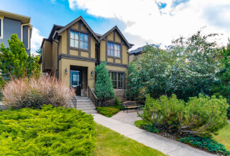 Transitional Detached Family Home On A 30' Lot In Marda Loop