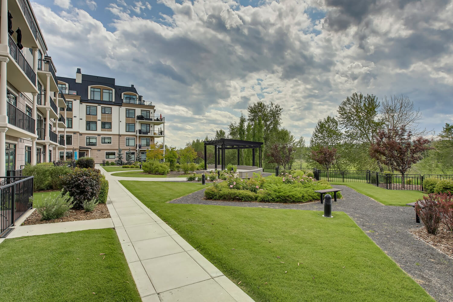 Sold Calgary Condo 305 131 Quarry Way Se