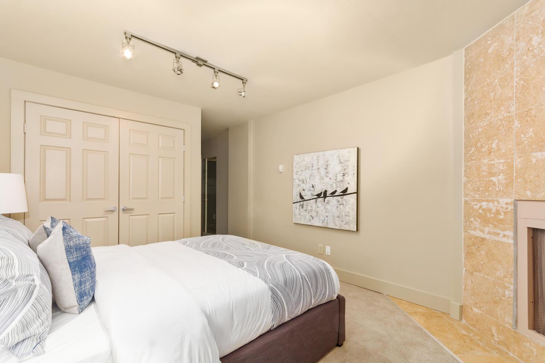 Sold Calgary Condo 106 350 4 Avenue Ne Calgarylofts Com