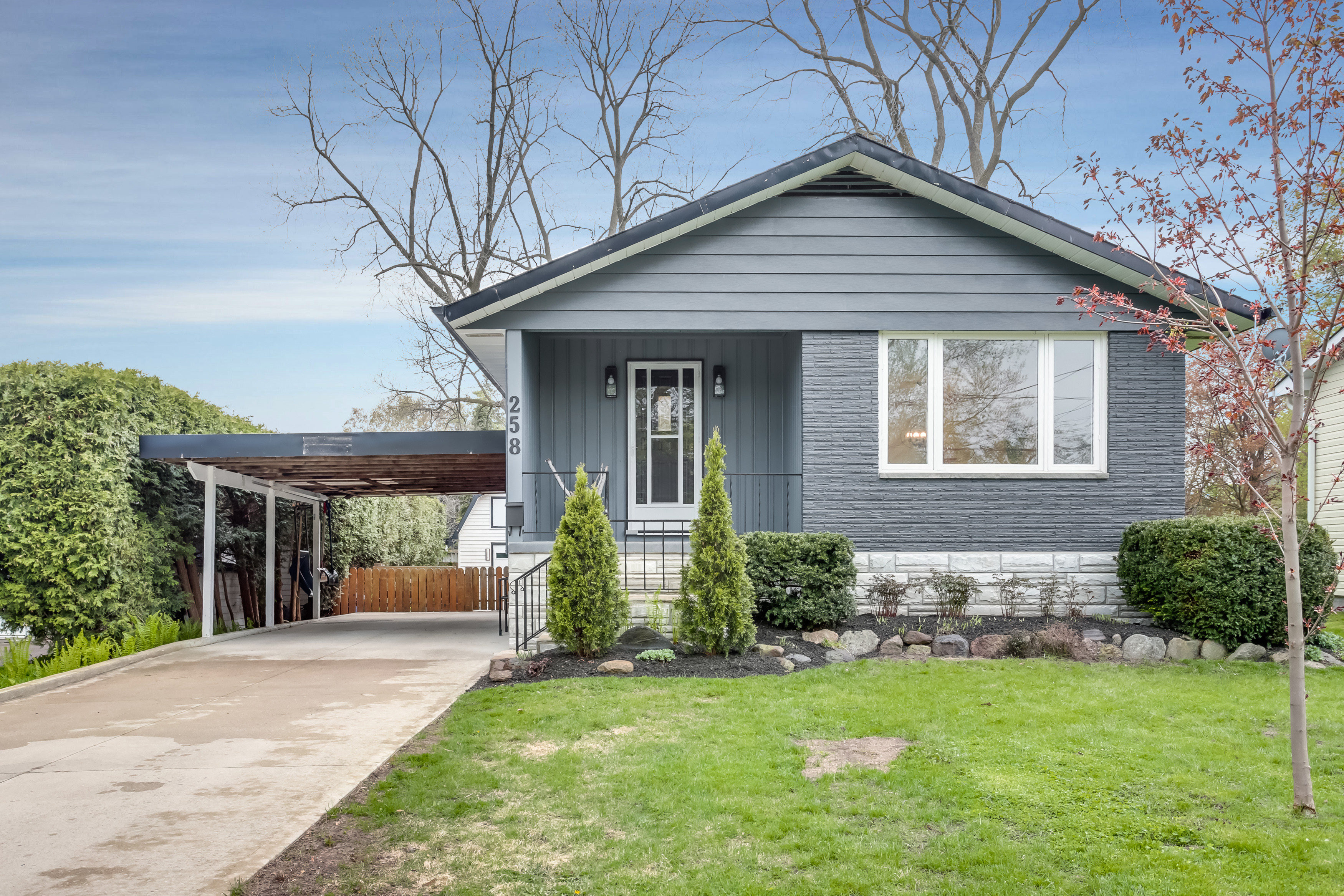 258 Fourth Street West, Collingwood<span class='property-location-view'></span>