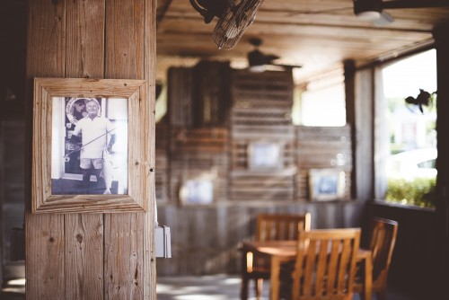 vintage, antique, room, chairs, table, wood, cabin, picture, photo, frame, portrait