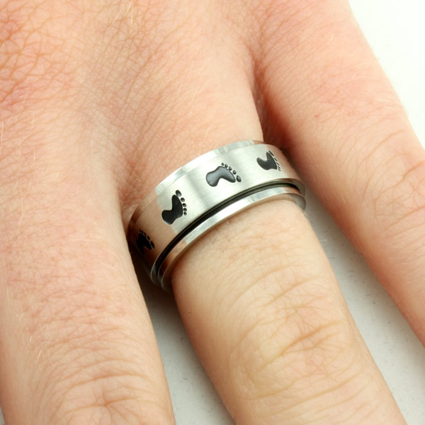 Footprints Spinner Ring - SR-330